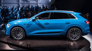 Audi wkracza na Teslę z nowym, całkowicie elektrycznym samochodem marki E-tron